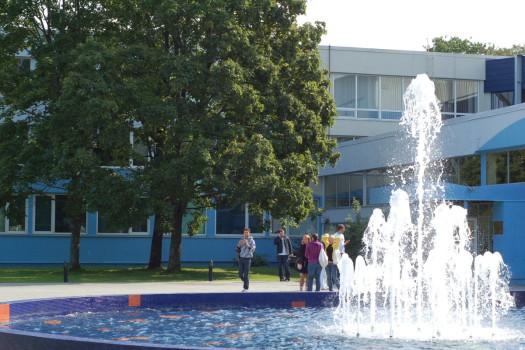 turiba universitesi letonya