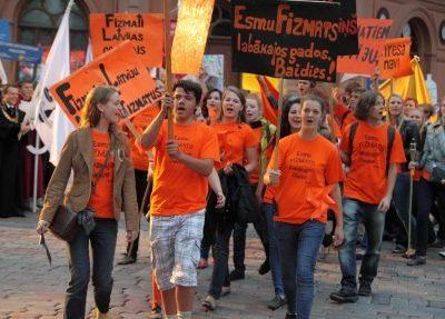 letonyada yüksek lisans ücretleri
